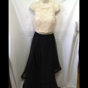 Junior's size 7 CITY TRIANGLES formal 2-piece gown